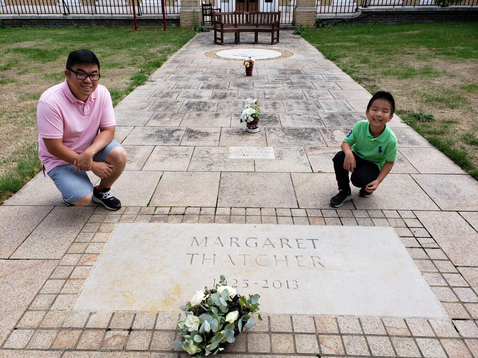 英國已故首相戴卓爾夫人墓碑